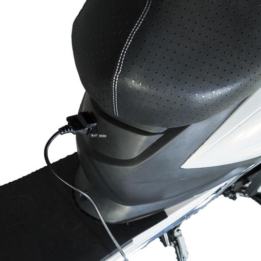 Kontio Motors e-Scooter, White & Silver PURKU Image: 5